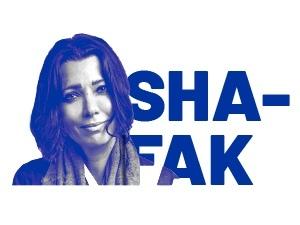 """Elif Shafak responde preguntas sobre su reflexión """"Dignidad y justicia social"""""""